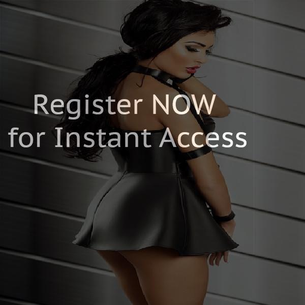 Online chatting rooms in Regina